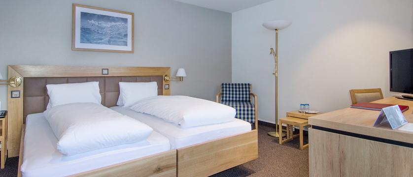 Sunstar-Hotel-Grindelwald_Doppelzimmer-Standard-Nova_2_s.jpg